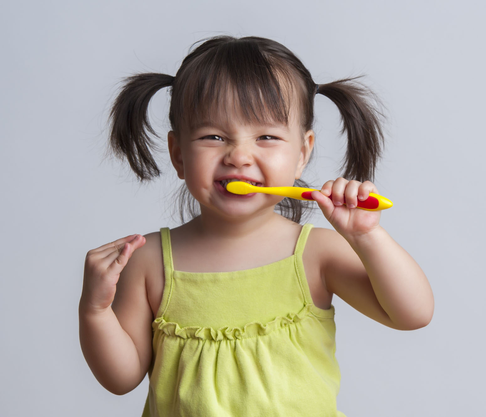 Dentist North Hollywood - Children Brushing Detist